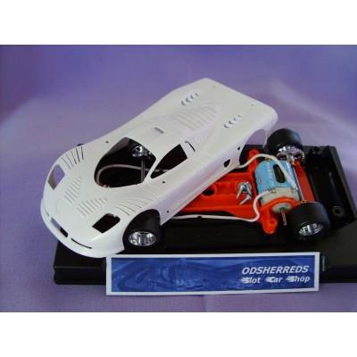 Mosler MT 900R White body kit